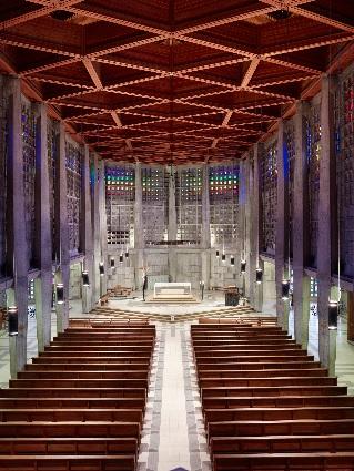 Vue vers le choeur de l'église Saint-Remy de Baccarat Crédits : Arch. N.Kazis / Ph. G.André © Région Lorraine - Inventaire général