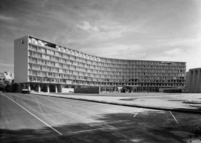 cite-architecture-et-patrimoine-bernard-zehrfuss-palais-de-unesco_large