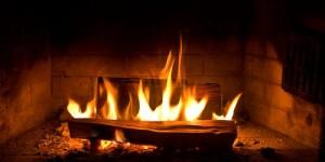 Anne-Hidalgo-interdit-les-feux-de-cheminée-à-Paris