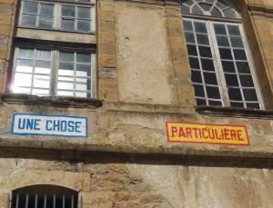 140920 - Inscriptions de Lawrence Weiner sur façade sud-1