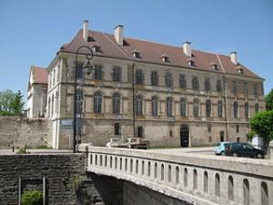 Abbaye_St_Leonard_a_Corbigny-03