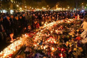 Dozens_of_mourning_people_captured_during_civil_service_in_remembrance_of_November_2015_Paris_attacks_victims._Wesern_Europe,_France,_Paris,_November_15,_2015